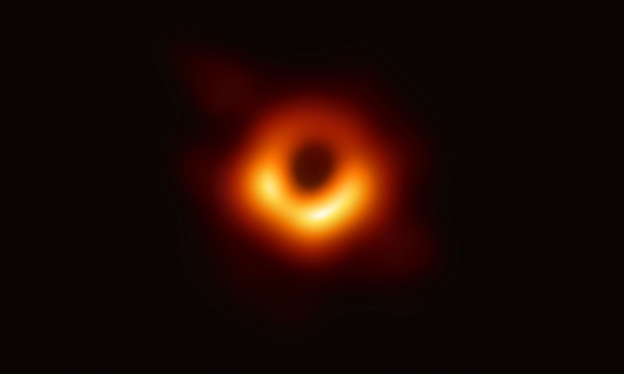 prva-slika-crne-rupe