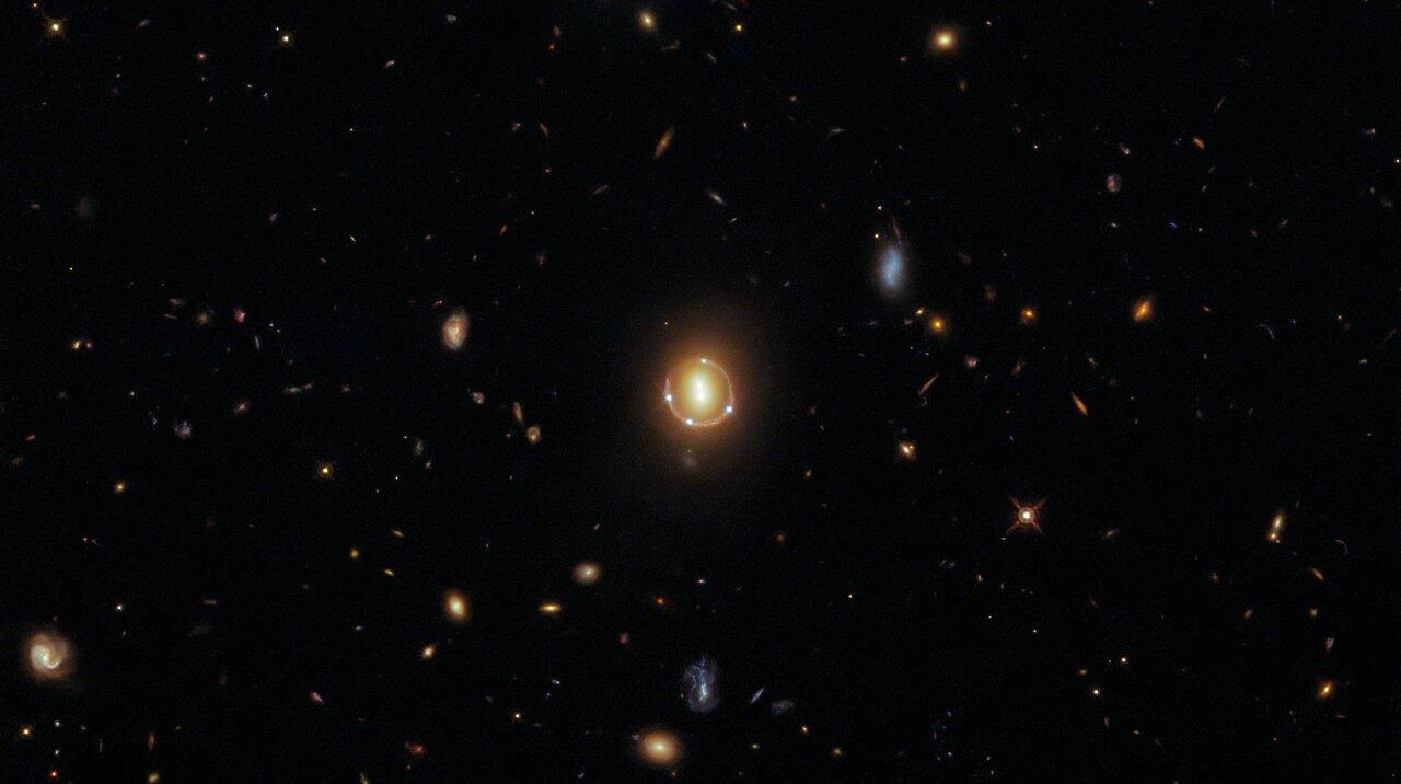 Izvor: ESA/Hubble & NASA, T. Treu; Acknowledgment: J. Schmidt.