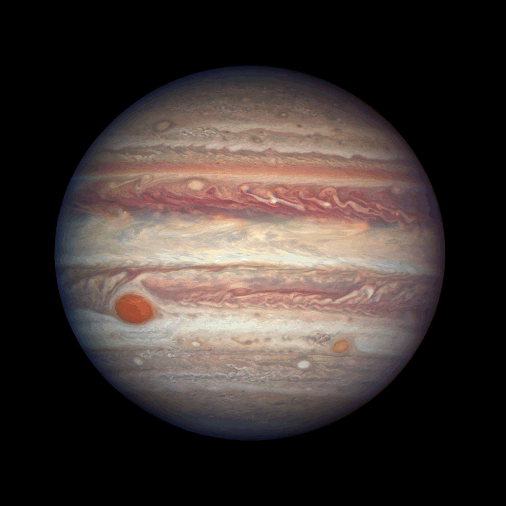 U donjem lijevom kutu možemo vidjeti Jupiterovu Veliku crvenu pjegu. Izvor Wikimedia Commons.